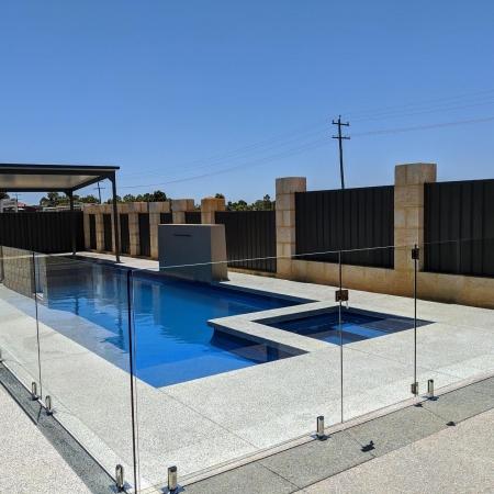 Frameless glass around pool